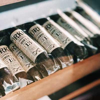 Cigars Button